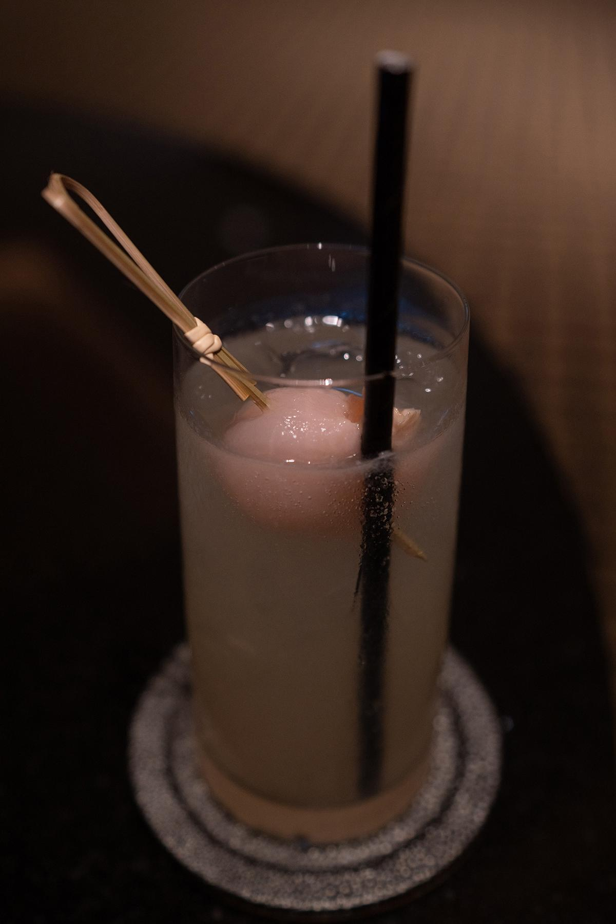 Complimentary evening cocktails at Club Lounge.