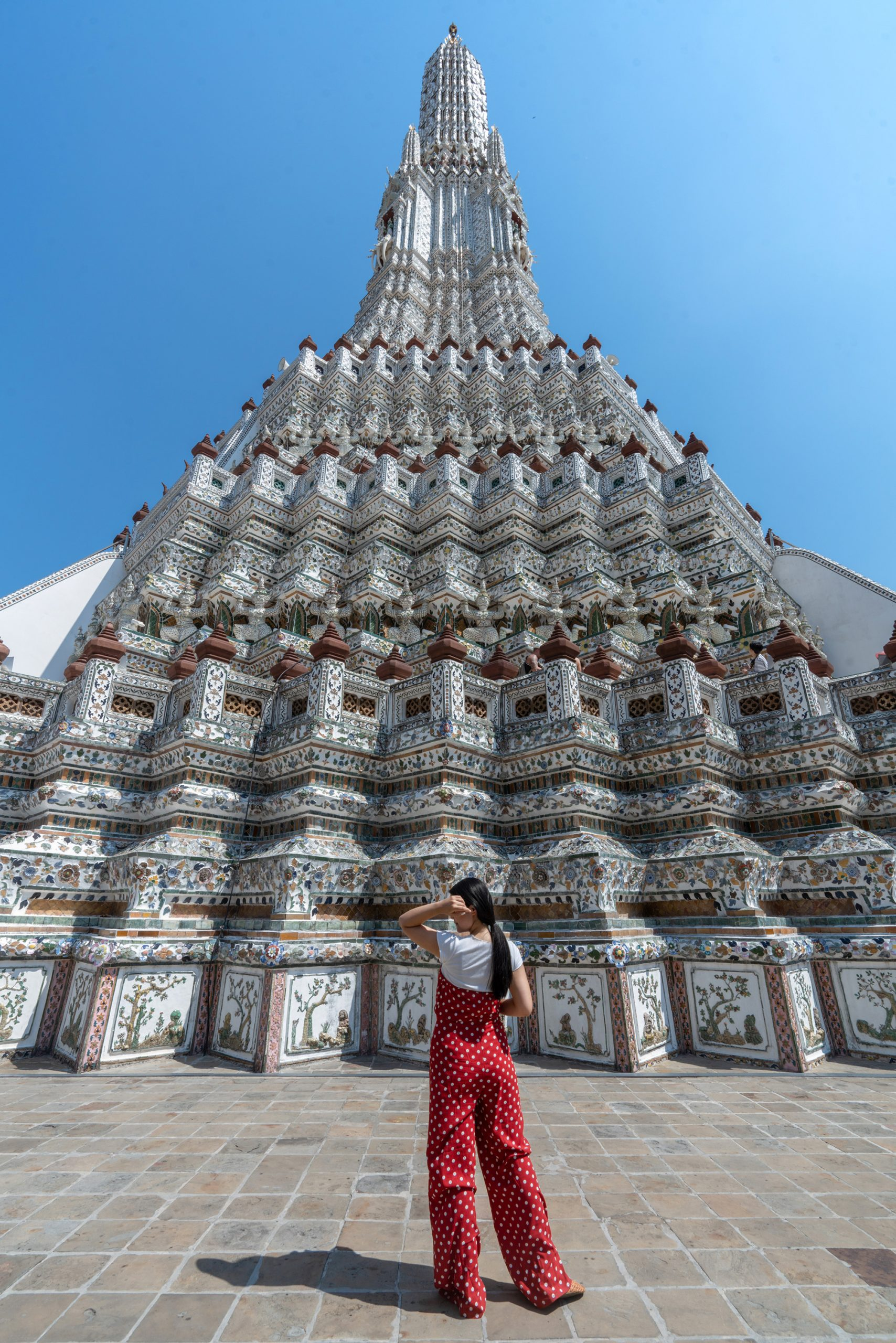 Beautiful Wat Arun temple during the day.