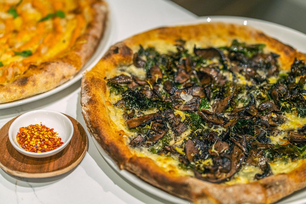 Funghi pizza at FARO.